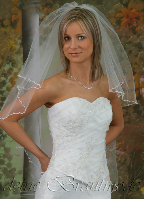 Ballkleid Brautkleid Hochzeitskleid Spitze schlicht schmal geschnitten ...